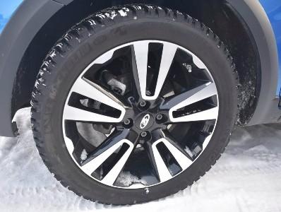 зимняя резина Goodyear UltraGrip Ice Arctic для Веста СВ Кросс