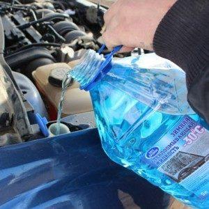 Рекомендуемый объем или сколько заливать незамерзайки в омыватель автомобиля
