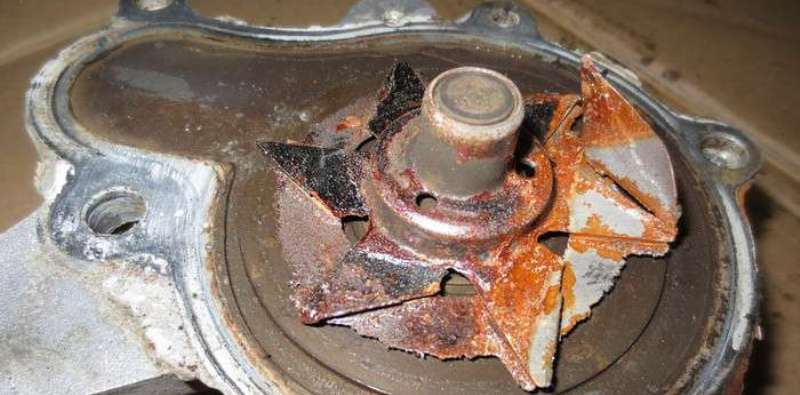 двигатель греется а радиатор и печка автомобиля холодные