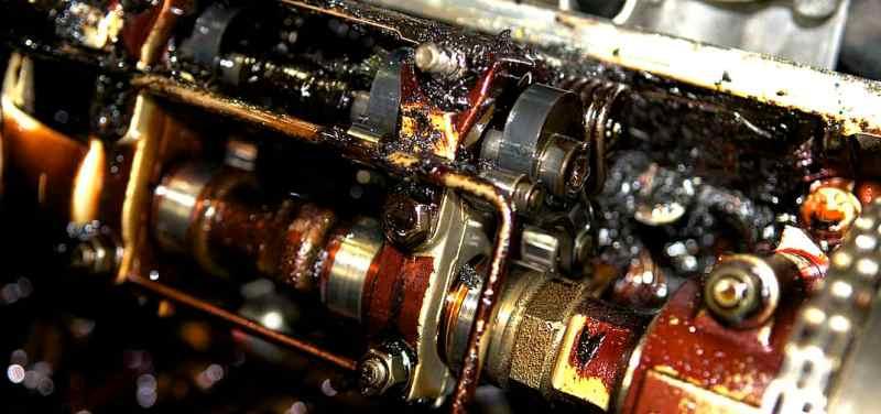 если много масла в двигателе что будет