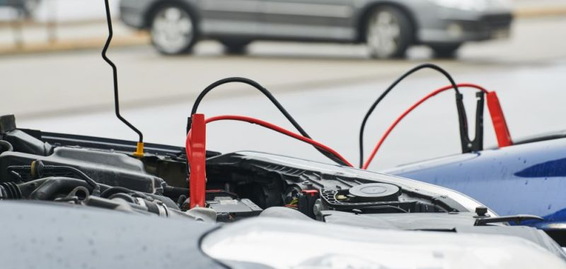 как правильно прикурить аккумулятор автомобиля от другого автомобиля