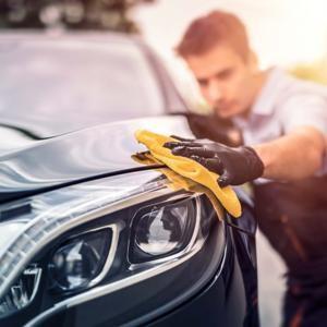 Полировка воском кузова автомобиля: как достичь зеркального блеска